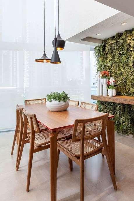 60. Enfeites de mesa com vaso e plantas – Via: Decor Fácil