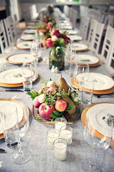 63. Enfeites de mesa com frutas – Foto: Casa de Valentina