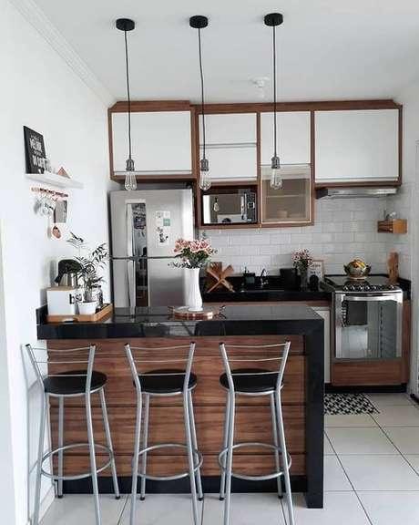 59. A luminária para cozinha pode ser super simples. Foto: Dicas de Mulher