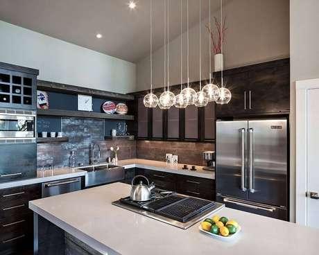 16. Modelo super delicado de luminária para cozinha feita de vidro
