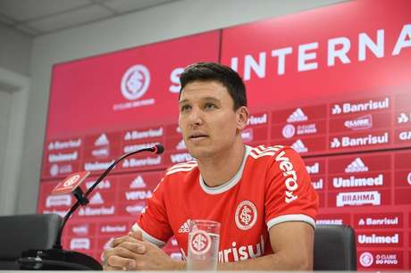 Damián Musto é apresentado oficialmente como jogador do Internacional (Foto: Divulgação/ Internacional)