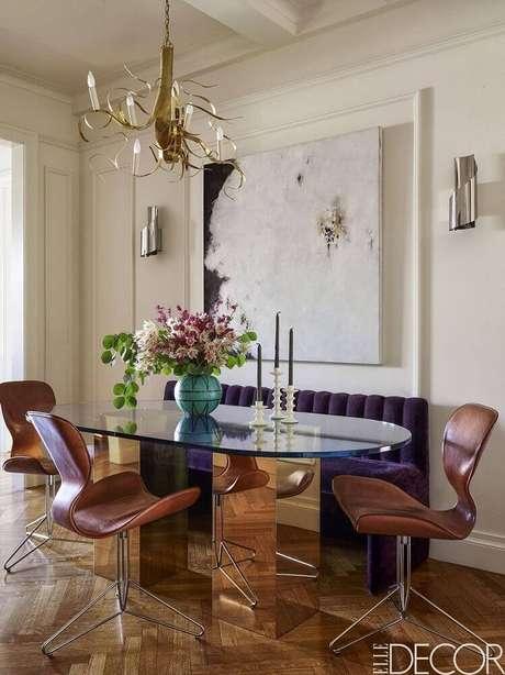 45. Alguns modelos de quadros decorativos grandes para sala de jantar também deixa o ambiente com uma decoração mais leve. Fonte: Pinterest