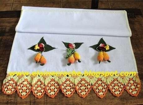 4. O bico de crochê para pano de prato pode combinar com outros detalhes da peça. Foto de Elaine Crochê