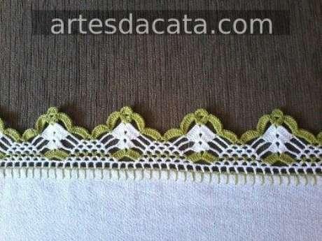 47. Bico de crochê verde e branco. Foto de Artes da Cata