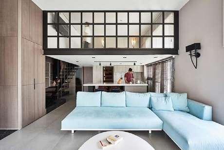 39. Para ter o melhor sofá é preciso ficar atento ao tipo de tecido do móvel escolhido – Foto: iFuun