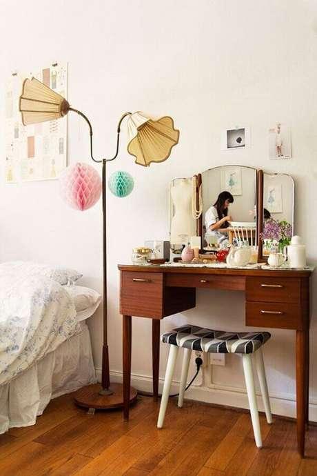 31. Modelo de penteadeira simples para decoração de quarto – Via: Pinterest