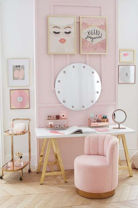 11. Penteadeira pequena em tons de rosa para crianças – Via: Pinterest