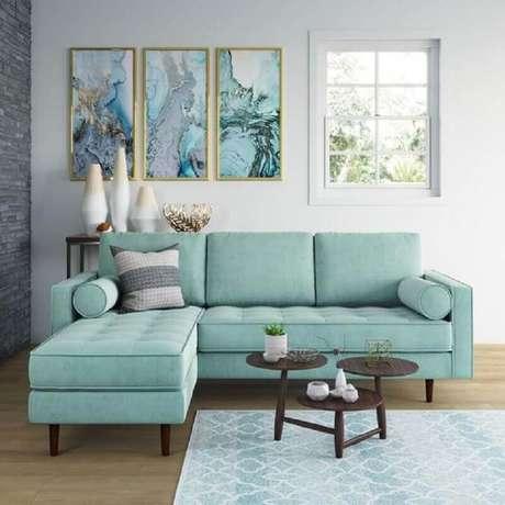 49. Decoração clean para sala com sofá com chaise azul claro – Foto: AllModern