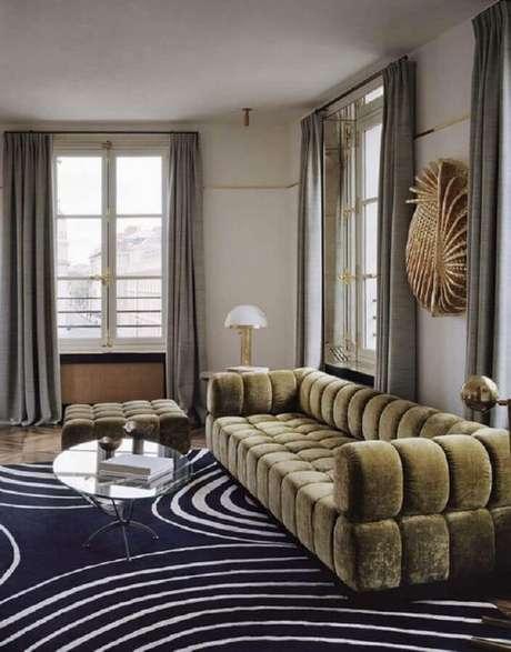59. Sala decorada com sofá verde moderno – Foto: Pinterest