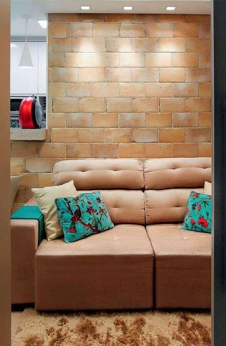 9. O sofá retrátil é um dos melhores modelos de sofá para sala de TV – Foto: Pinosy