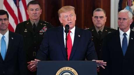 O presidente dos EUA, Donald Trump, disse que o Irã parece estar 'se acalmando' depois de ataques com mísseis nas bases de tropas dos EUA no Iraque