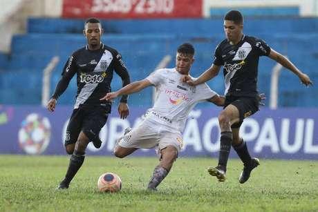 Ponte Preta e Santos empatam em 1 a 1 no tempo normal e time de Campinas triunfa nos pênaltis na Copinha
