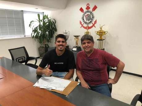 Goleiro DIego teve o contrato renovado com o Corinthians (Foto:Divulgação Corinthians)
