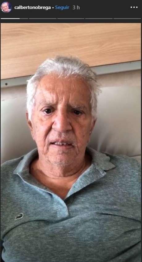 O humorista Carlos Alberto de Nóbrega fez uma série de vídeos no Instagram para explicar seu estado de saúde.
