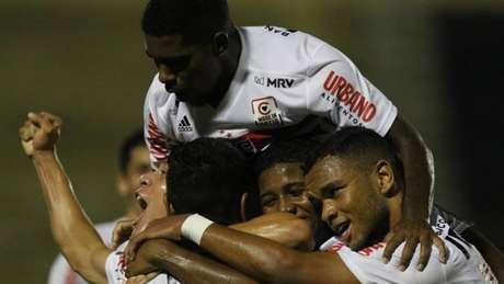São Paulo fez excelente partida contra o Flamengo de Guarulhos