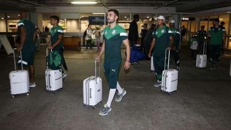Bruno Henrique na chegada do Palmeiras nos Estados Unidos, sábado (Foto: Divulgação)