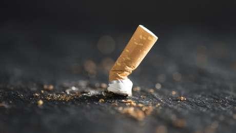 Entre os participantes do estudo, aqueles com a saúde em melhores condições nunca haviam fumado