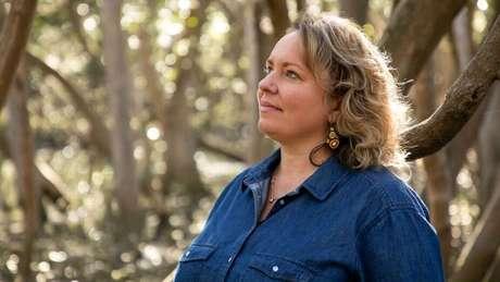 Shannon Foster ensina técnicas transmitidas por seus antepassados