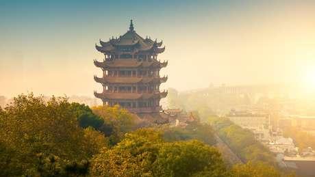 Surto surgiu na cidade chinesa de Wuhan