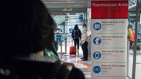 Escaneamento de temperaturas em aeroportos pode ajudar a detectar pessoas infectadas