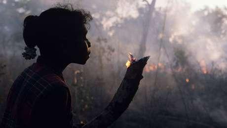 Os aborígenes adotam há muito tempo técnicas para manejo do fogo