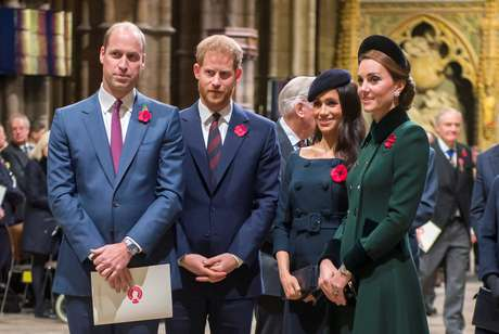 Príncipes William e Harry com as duquesas de Sussex e Cambridge
