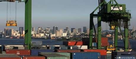Conflito comercial entre EUA e China pode ter impacto sobre exportações do Brasil, afirmam economistas