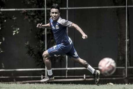Cueva se destacou nos primeiros treinamentos do ano (Foto: Ivan Storti/Santos)