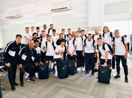Corinthians embarcou para os Estados Unidos neste domingo (Foto:Reprodução)