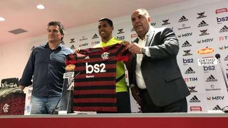 Pedro Rocha vestirá a camisa número 32 no Flamengo (Foto: Divulgação Twitter Flamengo)