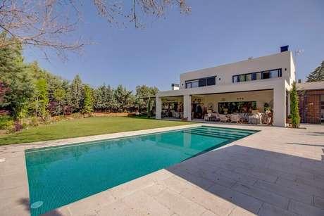 1. Saiba escolher o melhor tipo de piscina para a sua residência – Foto: Habitissimo.com