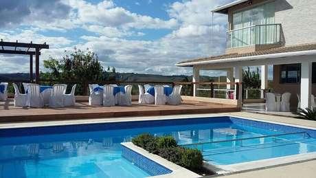 3. Casa sofisticada com piscina de alvenaria – Foto: Habitissimo.com