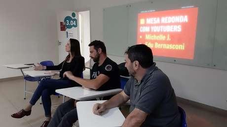 Os youtubers Michele de Jesus e Eduardo Bernasconi e o jornalista Gabriel Marazzi no último curso.