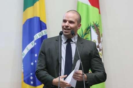 """Deputado do PSL defende """"direito da mulher ser 'assediada'"""""""