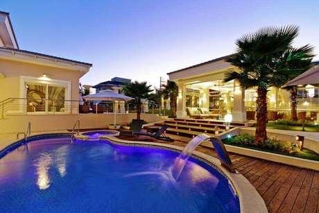 4. A piscina de vinil é uma ótima opção para quem prefere um projeto personalizado – Foto: Habitissimo.com
