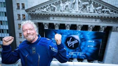 O fundador da Virgin Galactic, Richard Branson, comemorando a entrada de sua empresa no mercado de ações de Nova York