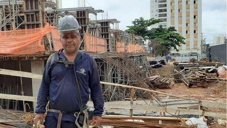 Em 30 anos trabalhando na construção, Abdon não consegue lembrar de uma crise tão ruim quanto a de 2016-2017