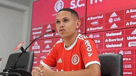 Marcos Guilherme voltou ao Brasil depois de dois anos no futebol saudita