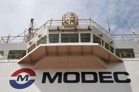 Logo da Modec em plataforma de extração de petróleo 20/01/2016 REUTERS/Edgar Su