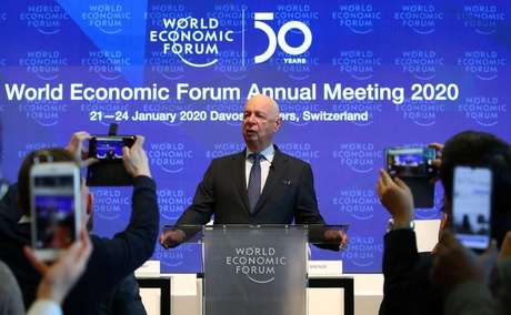 Klaus Schwab, fundador e presidente-executivo do Fórum Econômico Mundial, concede entrevista coletiva em Davos 14/01/2020 REUTERS/Denis Balibouse