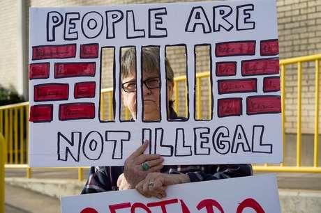 Manifestante protesta contra separação de famílias imigrantes na fronteira dos EUA com o México 12/01/2020  REUTERS/Go Nakamura