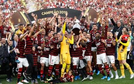 Flamengo foi campeão do Carioca, Brasileirão e Libertadores em 2019 (Foto: LUKA GONZALES / AFP)