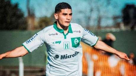 Michel Araújo é meia e pode jogar pelos lados ou centralizado (Foto: Reprodução/Instagram)