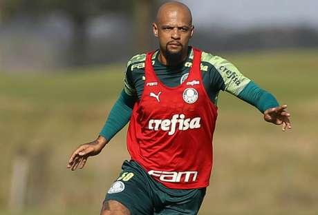 Felipe Melo foi convencido por Vanderlei Luxemburgo de que pode render mais como zagueiro (Agência Palmeiras)
