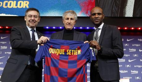 Quique Setién foi apresentado oficialmente como treinador do Barcelona (Foto: Divulgação/FCB)