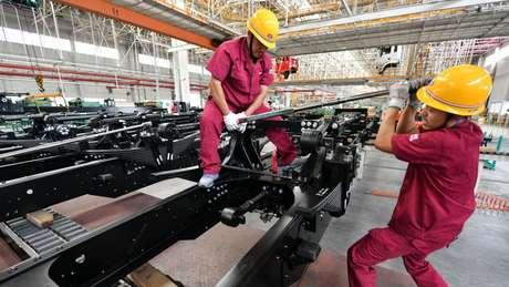 Crescimento econômico da China está desacelerando e EUA não devem atingir meta de crescimento de 3%
