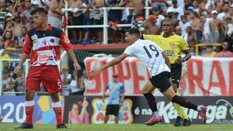 Athletico vence Taboão da Serra na Copinha