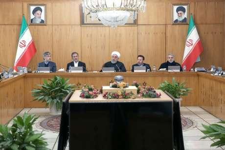 Presidente do Irã, Hassan Rouhani, durante reunião de gabinete em Teerã 15/01/2020 Site oficial da Presidência/Divulgação via REUTERS