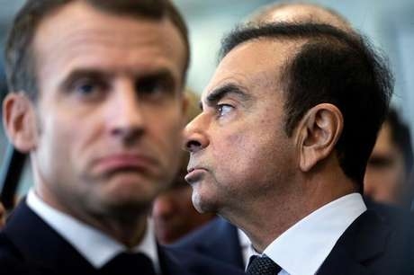 Presidente da França, Emmanuel Macron, e Carlos Ghosn em fábrica da Renault em Maubeuge, em novembro de 2018 08/11/2018 Etienne Laurent/Pool via REUTERS
