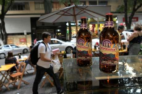 Garrafas da cerveja Belorizontina, da Bakekr 15/01/2020 REUTERS/Washington Alves